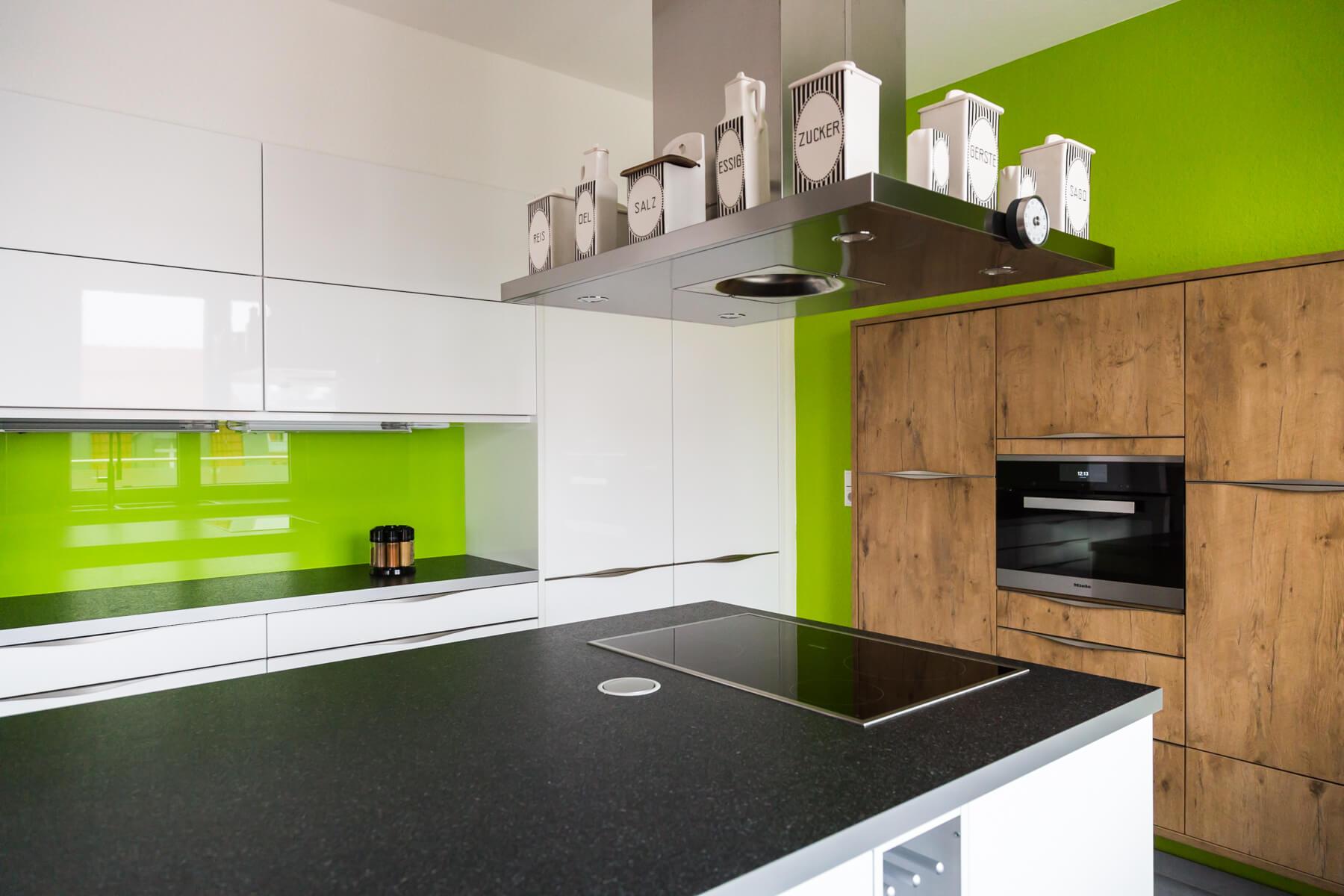 Ausgezeichnet Küchendesign Mit Begehbarer Speisekammer Bilder ...