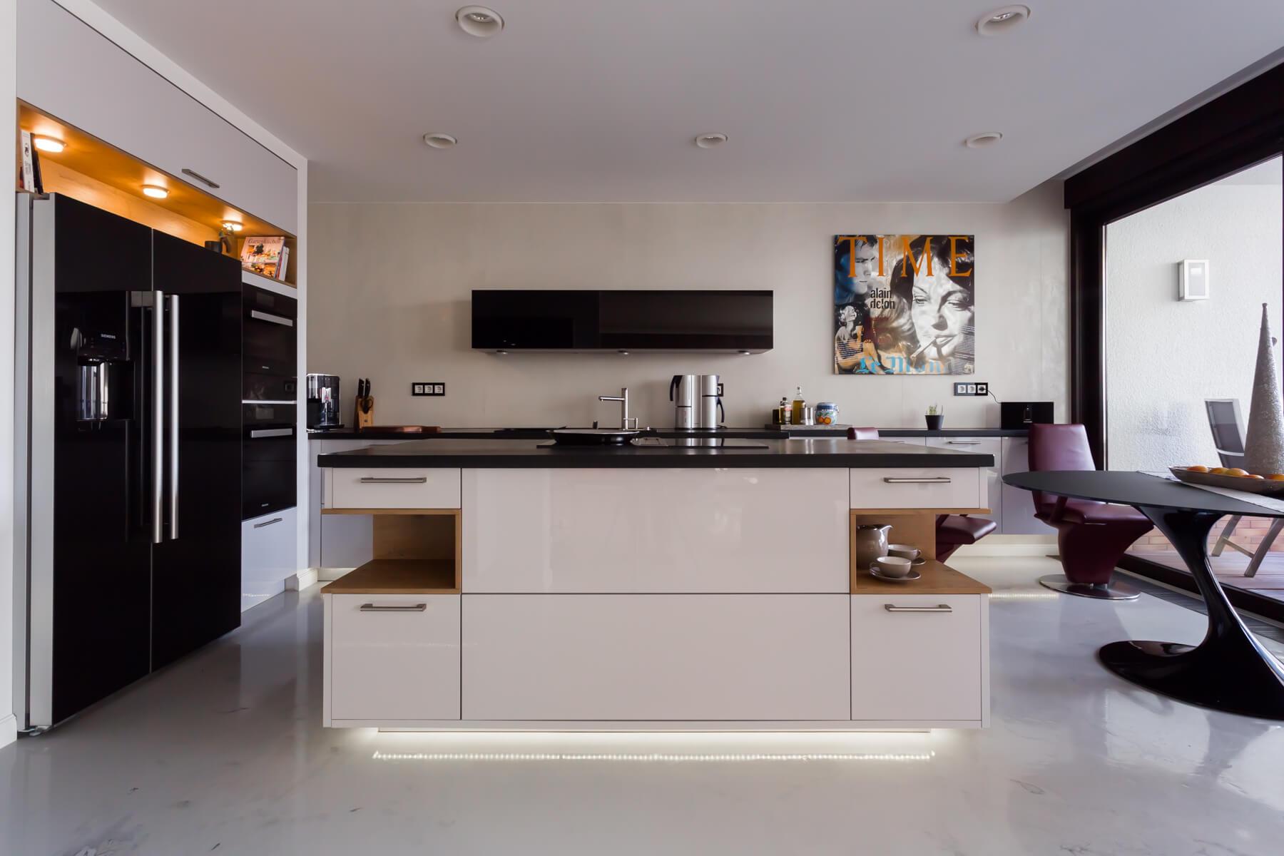 moderne designk che erfurt 2014 kieppe. Black Bedroom Furniture Sets. Home Design Ideas