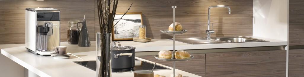 Moderne Küche Induktion Kochfeld Spüle Armatur Holzküche