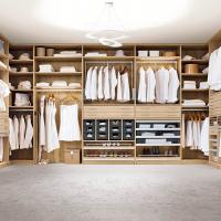Begehbarer Kleiderschrank von CABINET Einbauschränke nach Maß