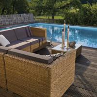 Loungegruppe aus Kunststoffgeflech - Sonnenbänke statt Sonnenliegen