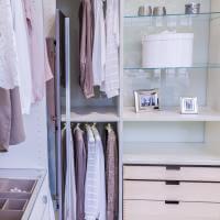 Neo Romatik CABINET einbauschränke nach Maß, Glaskante, Glasböden im Schrank, Drehspiegel begehbare Ankleide, Ankleidezimmer