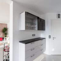 Küchenhängeschrnak mit Lamellenöffnung von KIEPPE - Küchen aus Arnstadt
