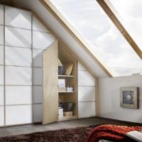 Schranksonderlösung mit Dachschräge von CABINET®