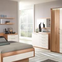 Kleiderschrank passend zu Bett und Schlafzimmereinrichtung