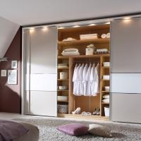Einbauschrank in Dachschräge mit Schiebetüren und Innensysthem - Trockenbauvariante