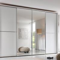 Kleiderschrank mit 4 Schwebetüren und Spiegelfächen